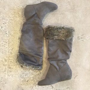 Report sz 8 Wedge Gray Fur Tall Boot NWOT